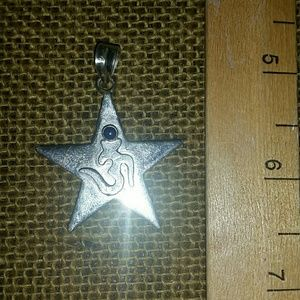 Sterling and lapis yoga pendant om .925 marked new